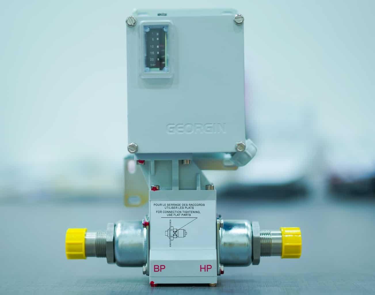 Công tắc chênh áp nước - khí gas