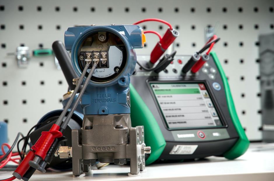 thiết bị hiệu chuẩn cảm biến áp suất 4-20mA Hart