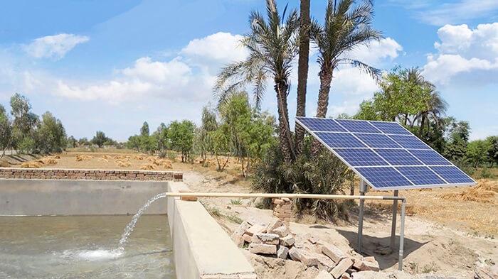 Hệ thống máy bơm nước dùng năng lượng mặt trời