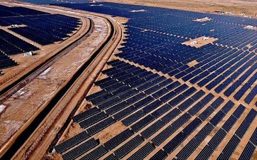 Nhà máy sản xuất năng lượng mặt trời