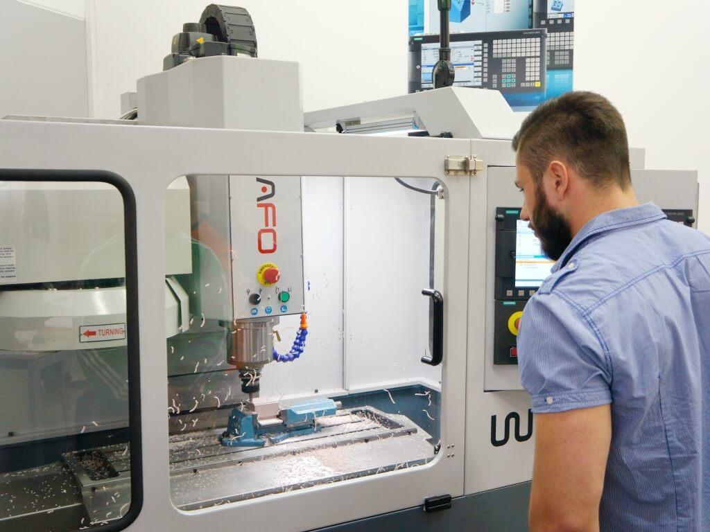 Công nghệ CNC